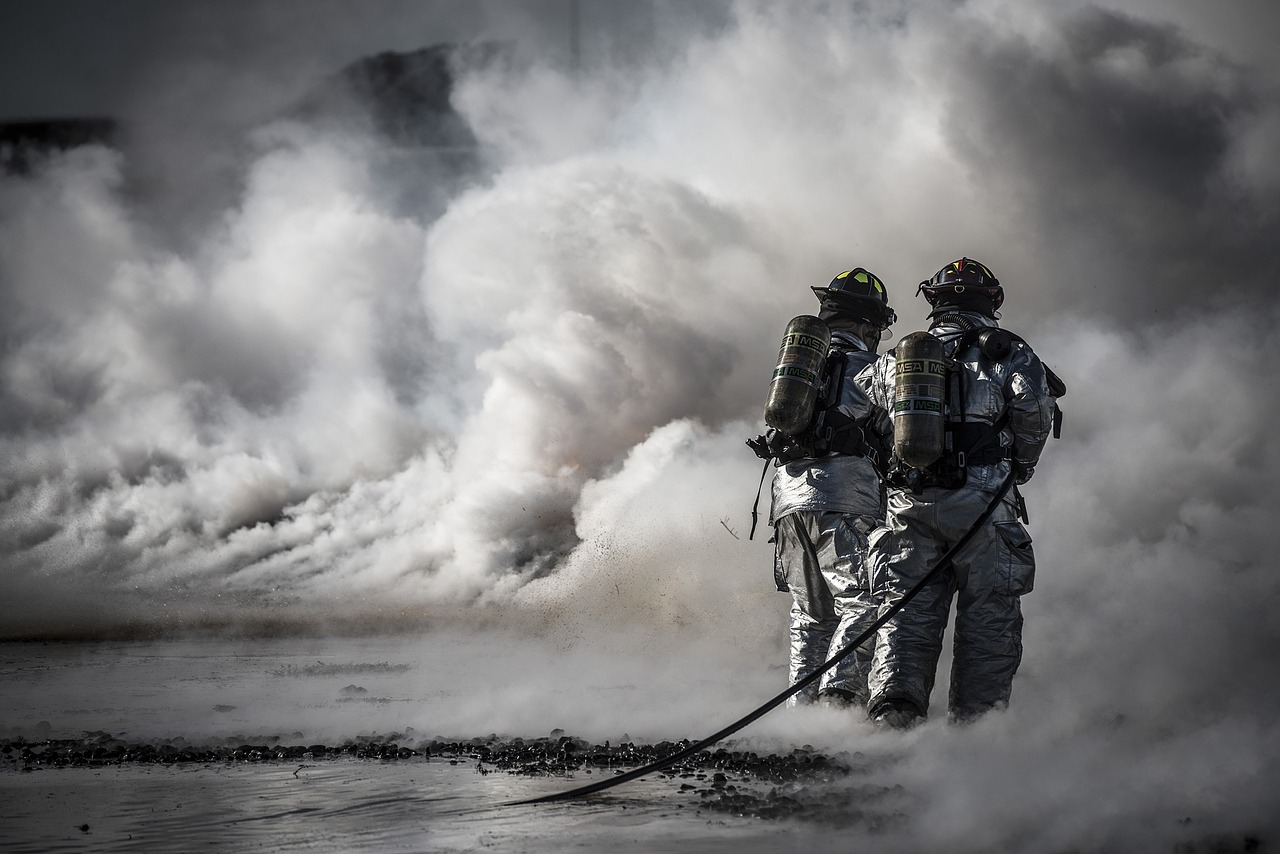 Sistemi di evacuazione naturale e forzata di fumo e calore secondo le norme Uni 9494‐1 ‐2 ‐3.